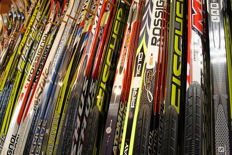 Distribution des skis du club